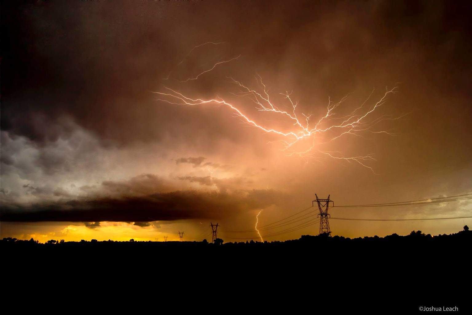 Round of severe storms that approached the Norman area yesterday, though it died rather quickly, it produced a great amount of lightning!