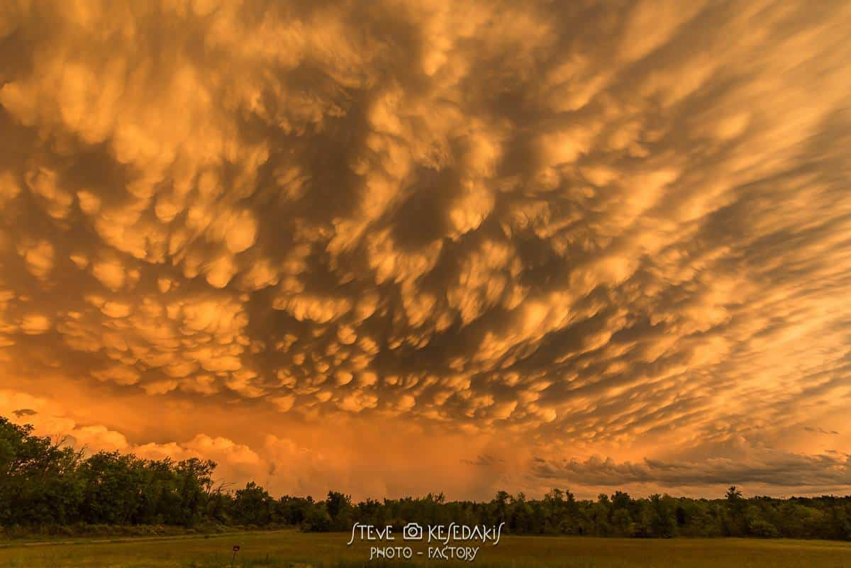 The sky of my dreams...? maybe....... Mammatus at its best in Mc Allester Oklahoma some days ago right after some tornadic storms getting a weird color at the sunset