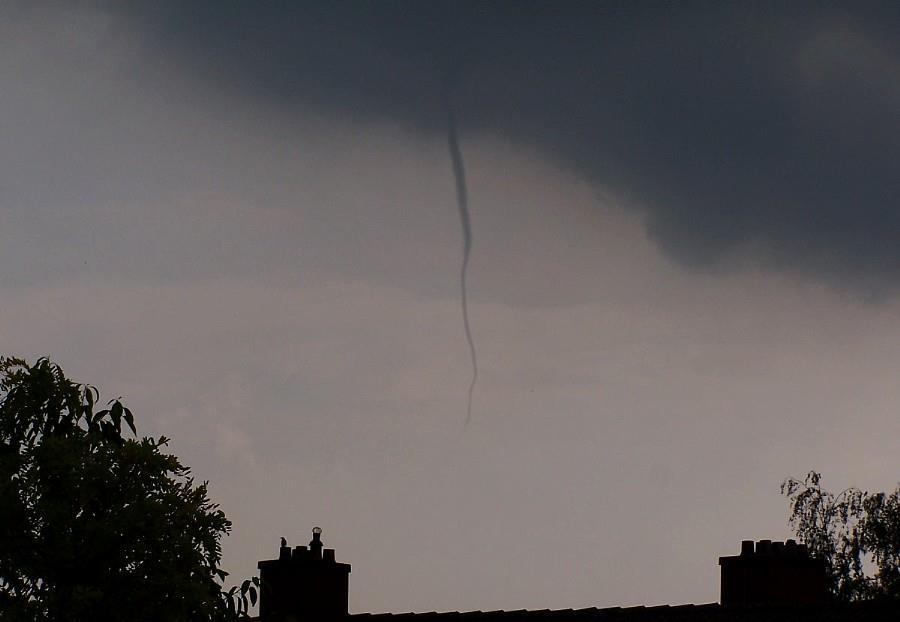 small tornado - 2007-06-11 - 17.08 u.
