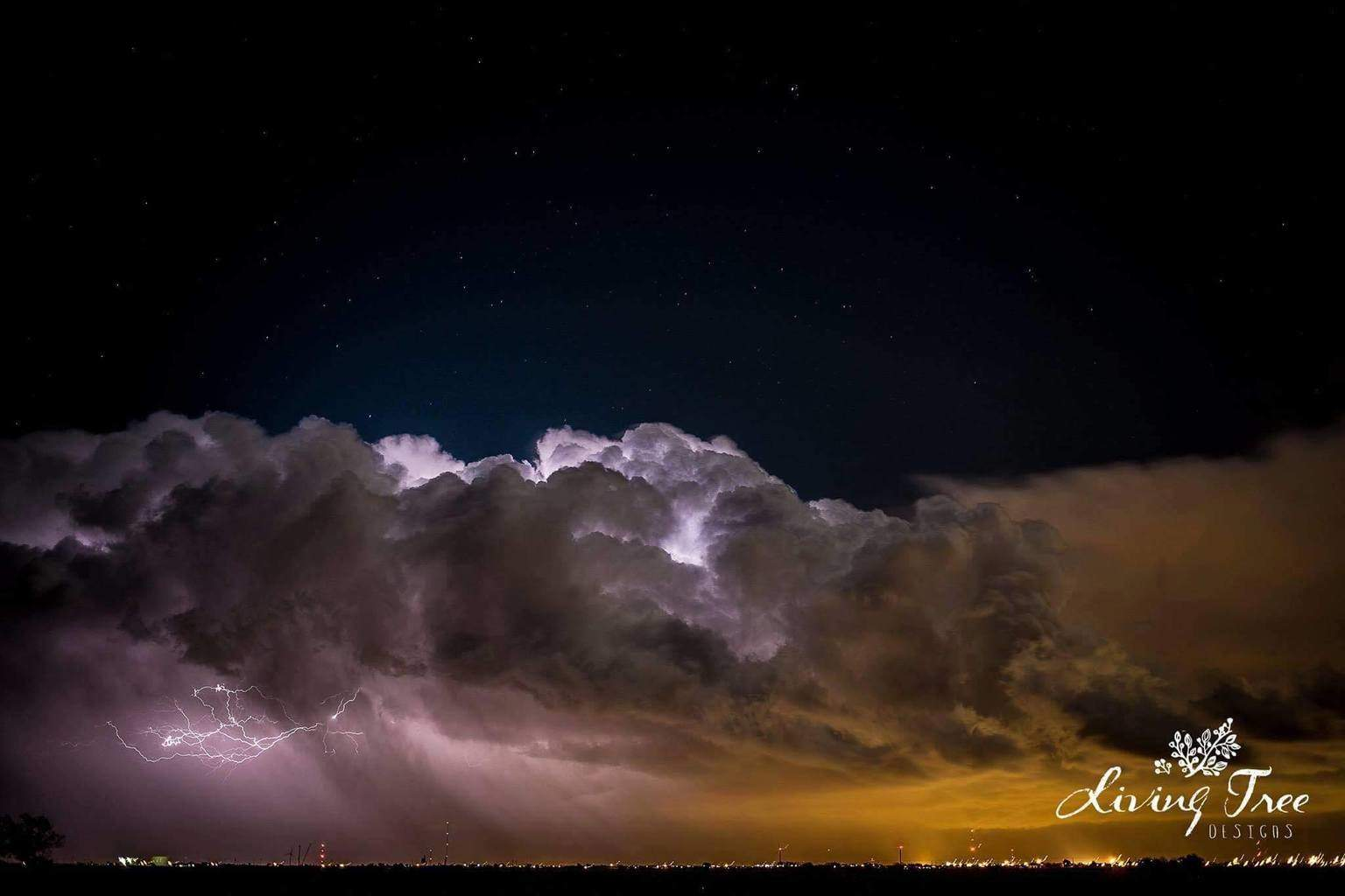 Storm clouds forming in West Lubbock,Tx, thought they were so beautiful