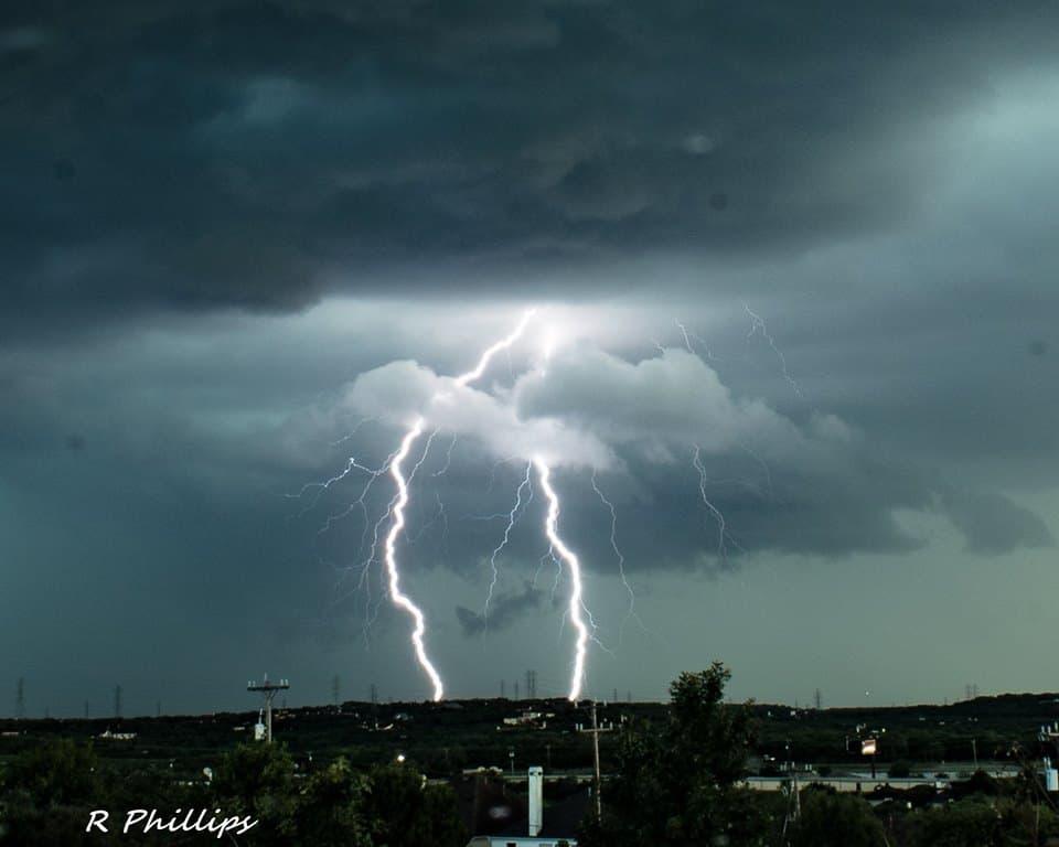 Great light show over San Antonio tonight