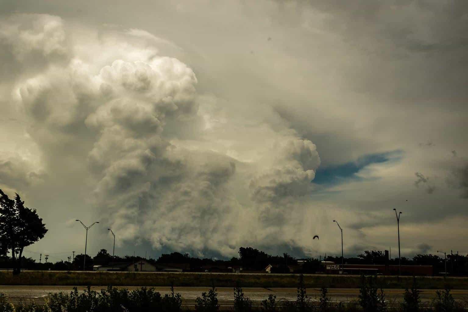 Wall cloud east of Abilene, Tx 5/26/16