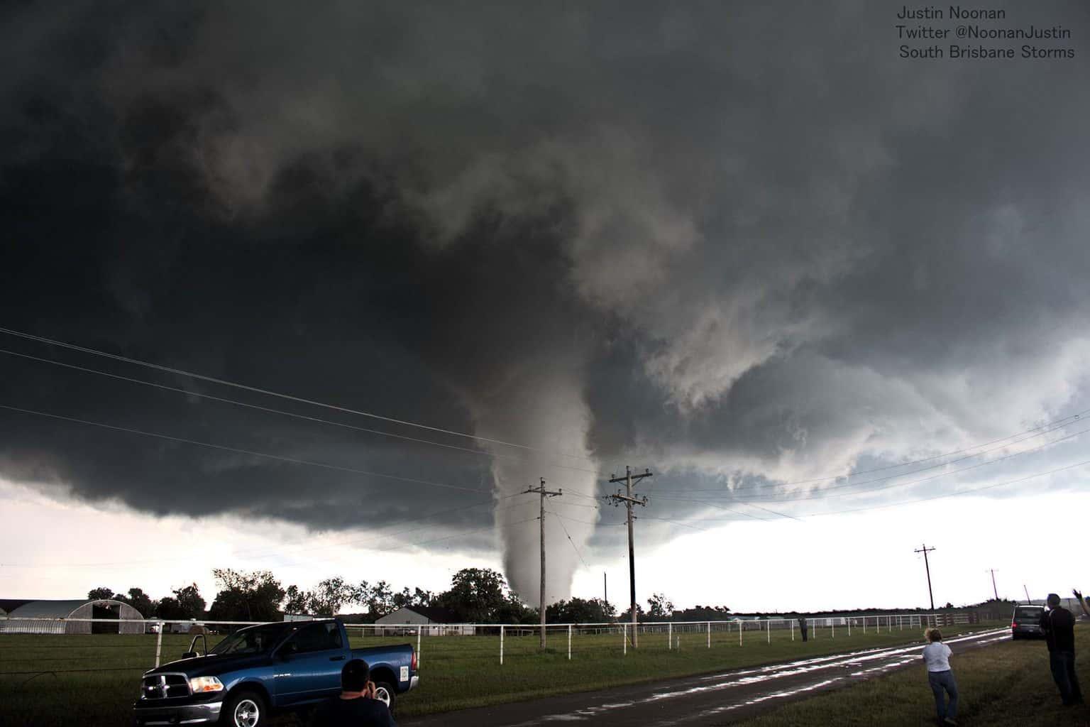 Katie-Wynnewood tornado, 9th May 2016. Amazing storm and incredible tornado.