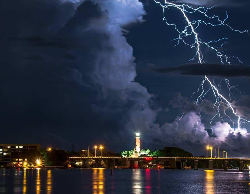 Jup.Fl.lighthouse