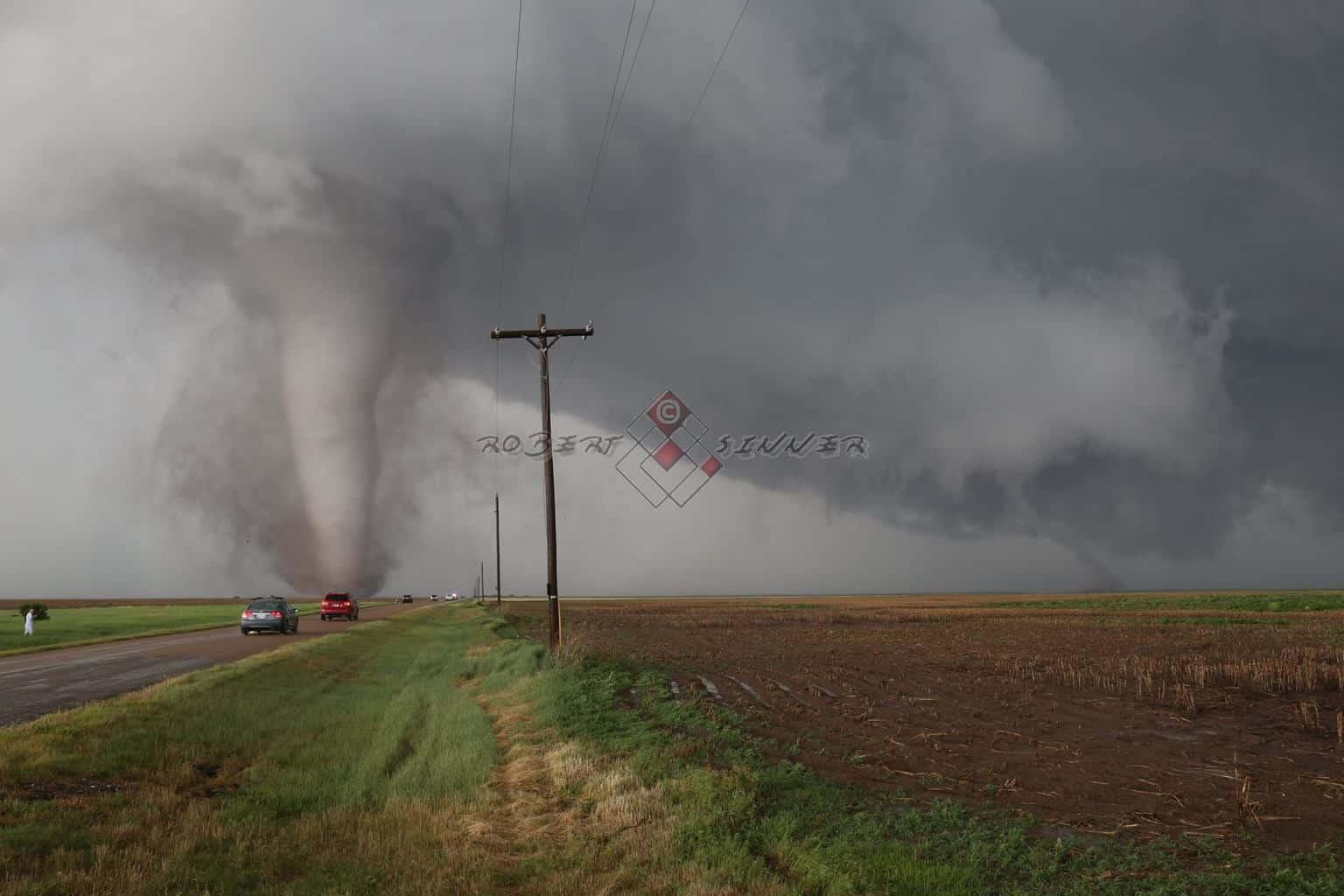 24 may 2016 north of Minneola KS twin tornadoes