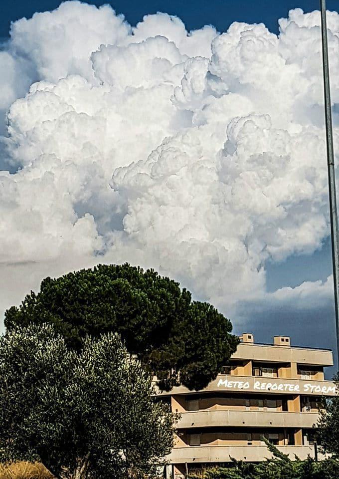 Amazing Cumulonimbus Over Rome!