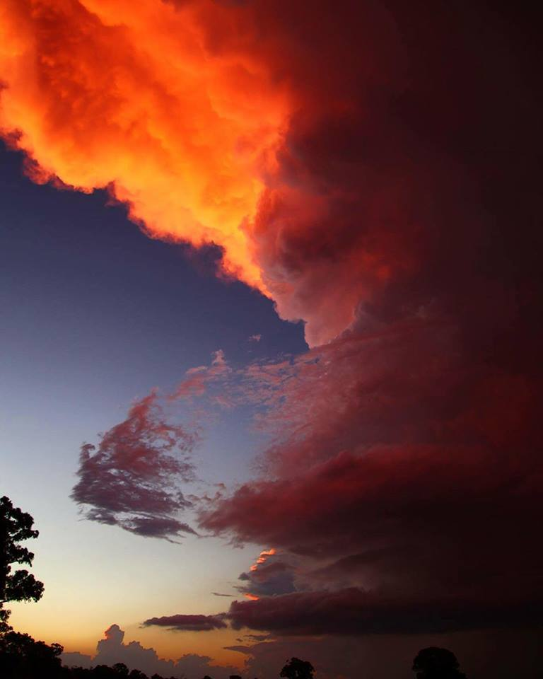 Likely supercell at #sunset with spectacular colours. It made for nice timelapse too!