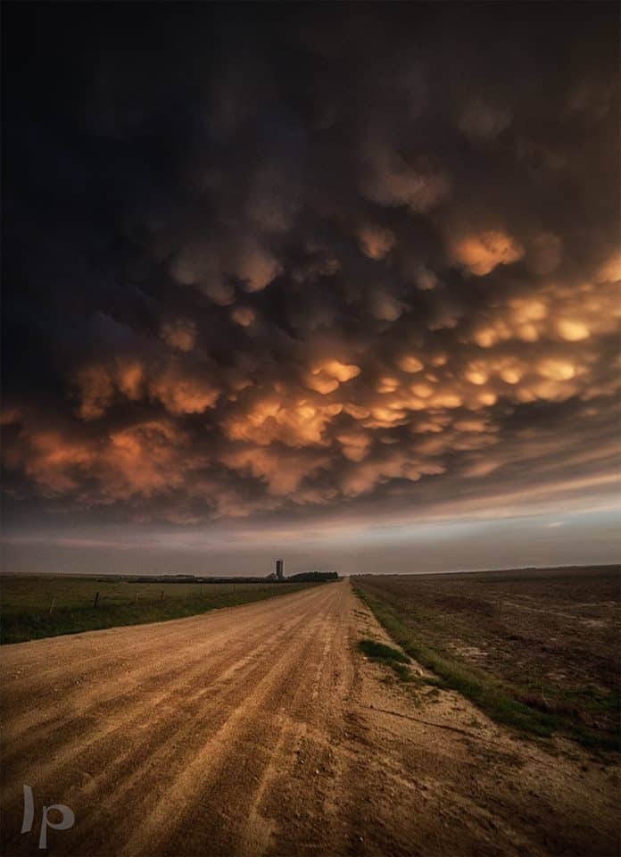 """""""Mammati of Leoti"""" May 2016, my back view of the lovely storm of Leoti"""