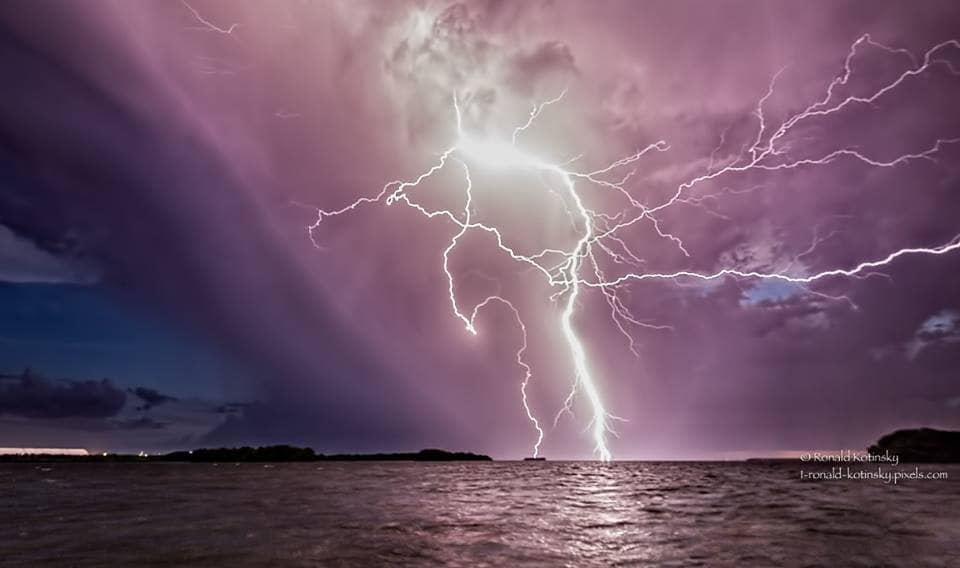 The Kraken - Tampa Bay - July 2016 - Single Frame - Anvil crawlers and 2 deadly bolts. Witnessing this bolt from kayak was terrifying as the crawlers reached out in my direction. — at Tampa Bay.