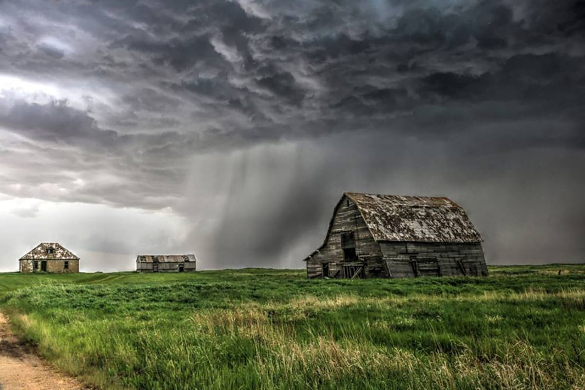The Grey ghost. Barns and storms kinda my thing.