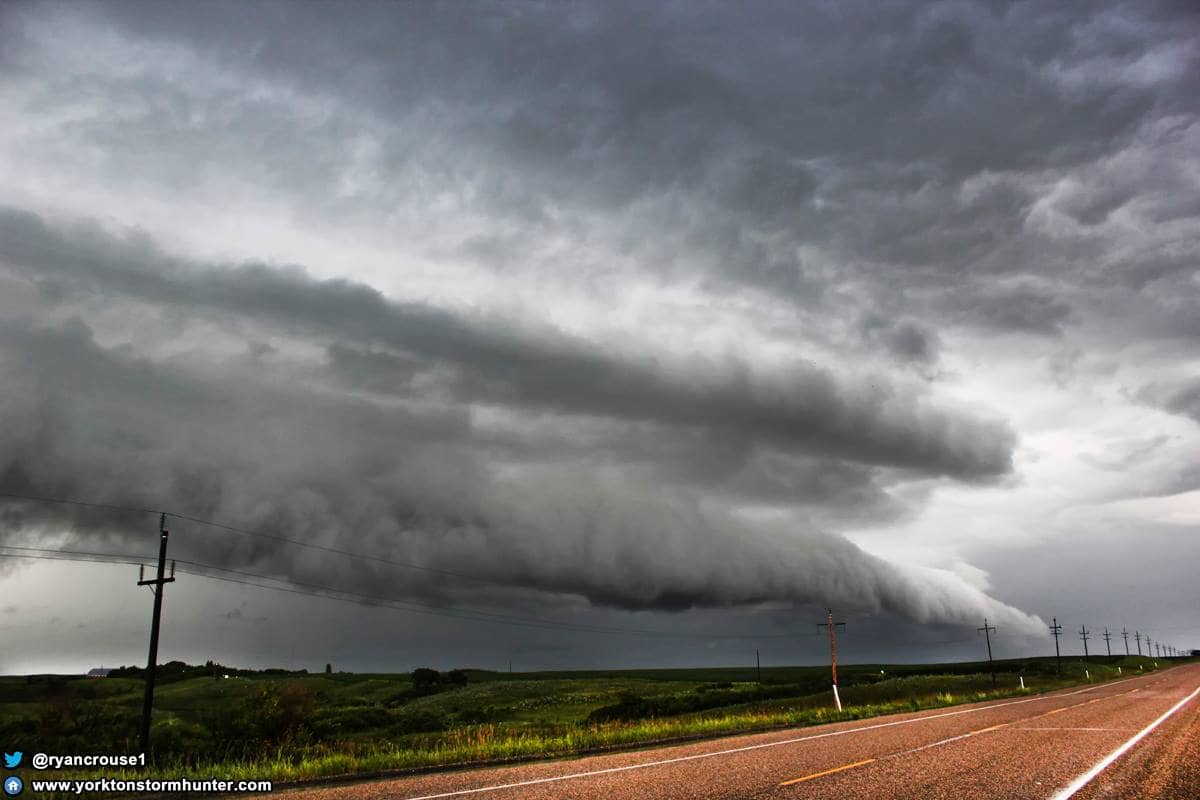 July 21, 2013 Awesome Shelf Cloud near Deloriaine MB. Canada during a Tornado Warned Storm that I chased from between Redvers SK to Killarney MB.