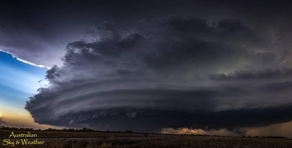 The large rotating Ellinwood, KS supercell developed south of the cold front boundary. The storm was so powerful we saw the cold front alignment literally wrap into the storm. Absolutely amazing!! 19th April 2017 Photo: Jane ONeill/Clyve Herbert