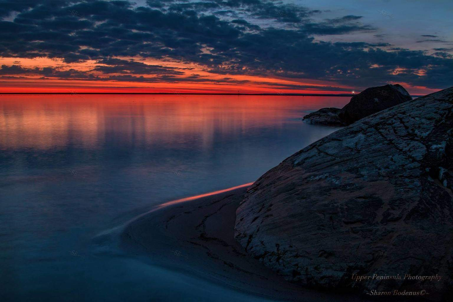 Predawn sunrise Sunday morning at Lake Superior. Founders Landing Simply a beautiful morning~ — at Founders Landing.