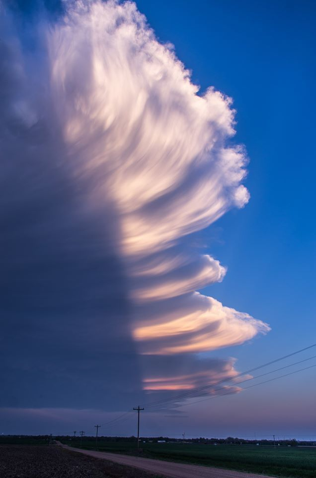 A perfect example of God's paint brush. — Supercells near Greensburg, Kansas