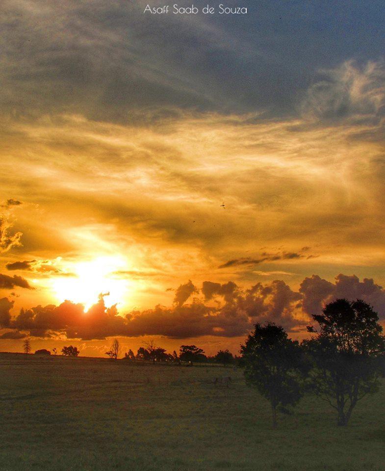 A beautiful autumn sunset last week in Umuarama, Brazil!