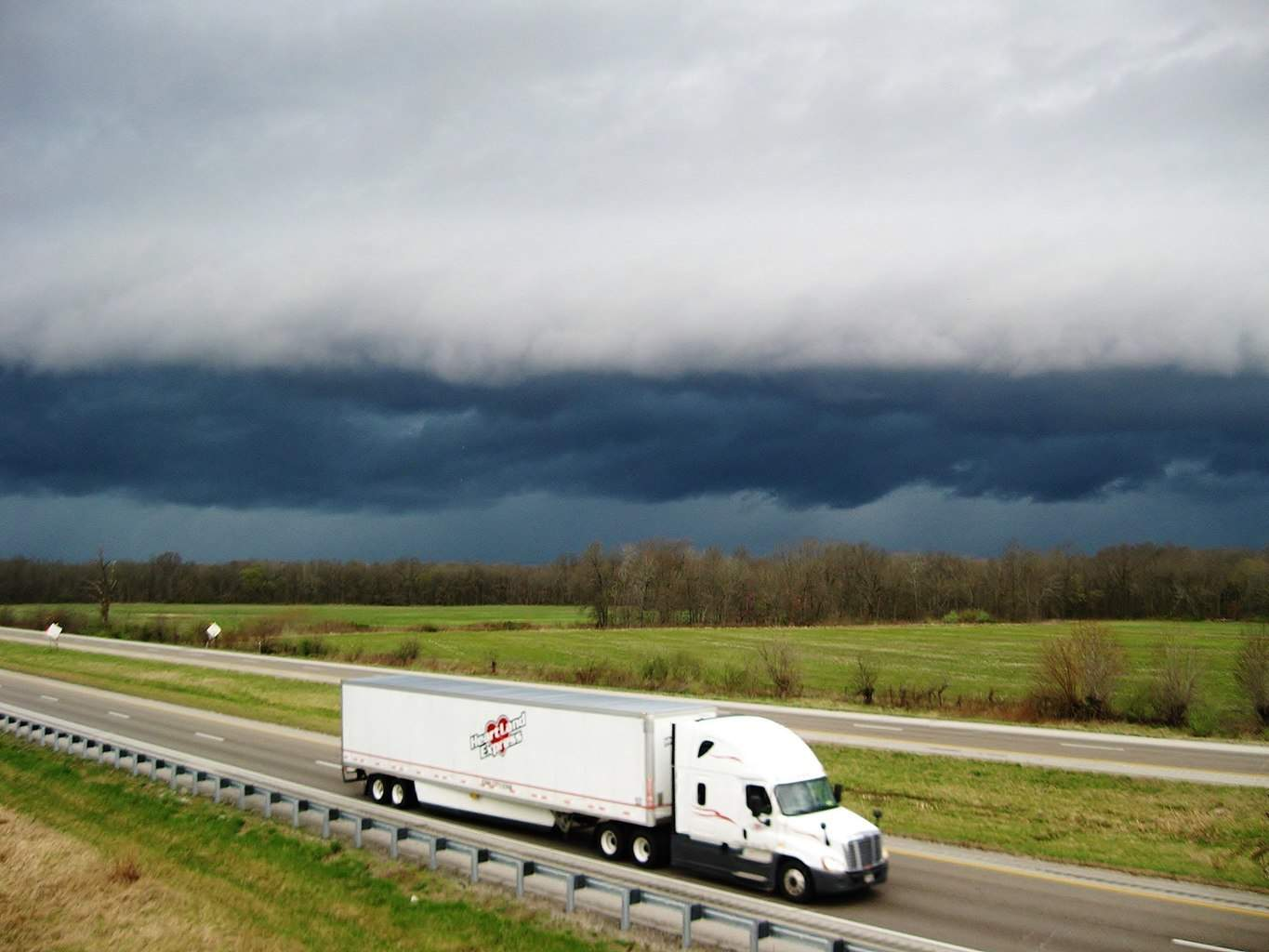 Attractive storm clouds in Southeast IL yesterday. Severe weather season finally getting warmed up in the Midwest to where I can start getting some decent pictures again!