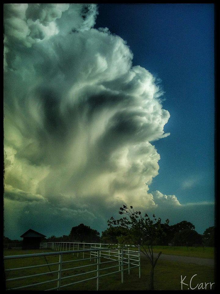 Storms firing ❤? 4/25/17 Arcadia, OK