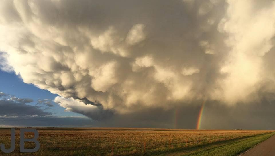 Pic I captured last year while on a chase with my daughter. This was taken west of Amarillo, TX.