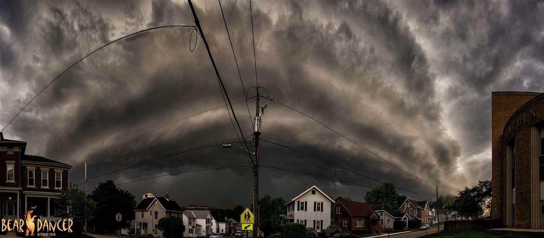 Shelf cloud over my neighborhood as a tornado warned storm came through Dubuque, IA last night.