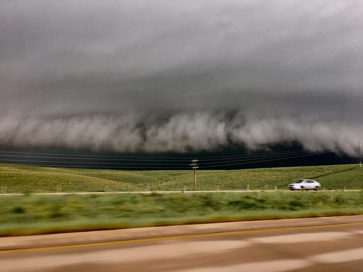 Rt 75 shelf cloud north of Tulsa looking west.....Incominnngggg