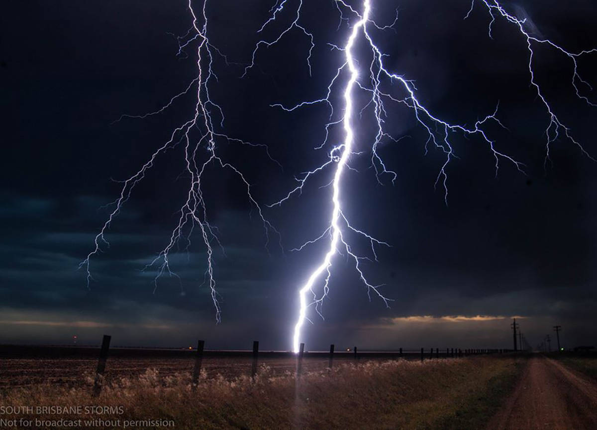 From this evening.. only about an hour ago from some high based but extremely lightning active storms in Crossbyton, Texas.