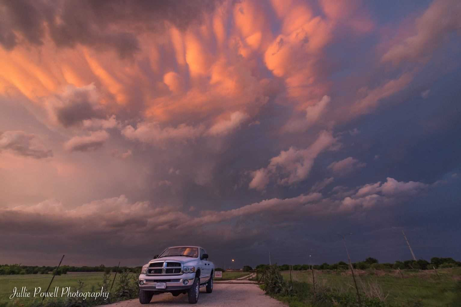 4/21/17 Wasn't a great setup for me, but got some mammatus clouds as the sun was setting! Haslet, Tx