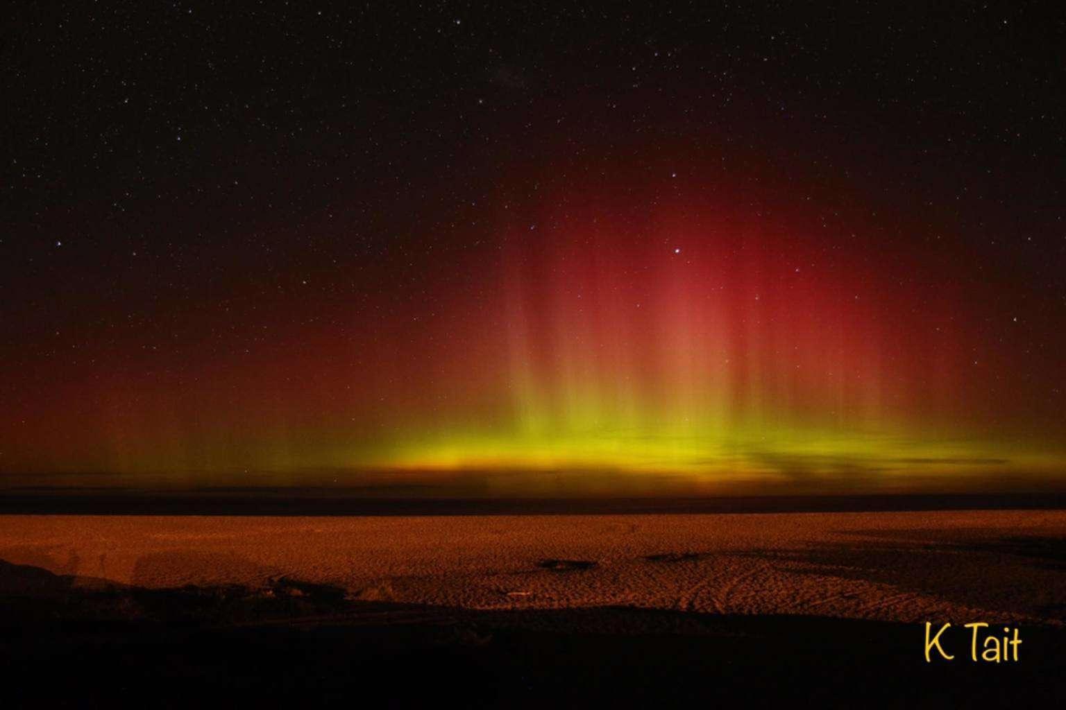 Aurora Australis 22/4/17 Christchurch New Zealand  Canon 70D 17mm f2.8