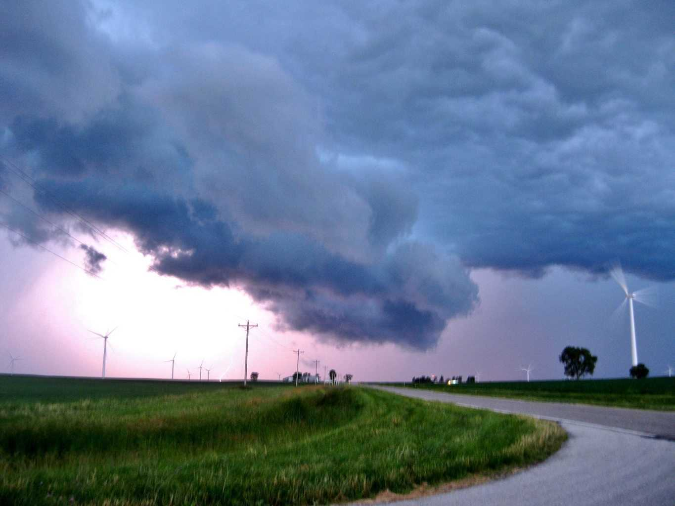 Beautiful non-severe thunderstorm on the IN-IL border at dusk yesterday, illuminated by lightning.