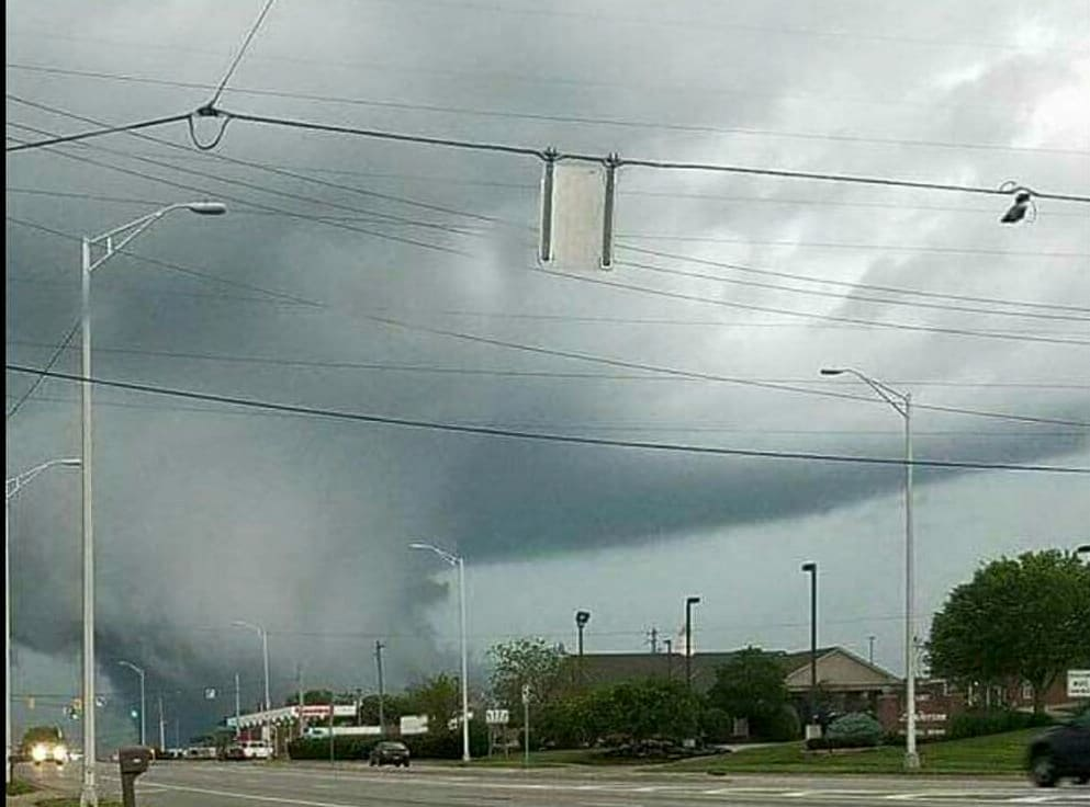 This was taken last night in Beavercreek OH before a tornadoe was spotted and touched down in Park Layne OH.