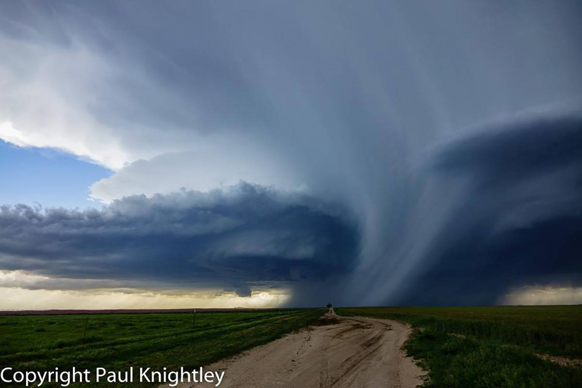 We targeted the SE CO and Panhandles region today. Caught this stunning supercell north of Felt, Oklahoma, which we tracked from west of Boise City, OK, to Stratford, TX, before letting it move away.