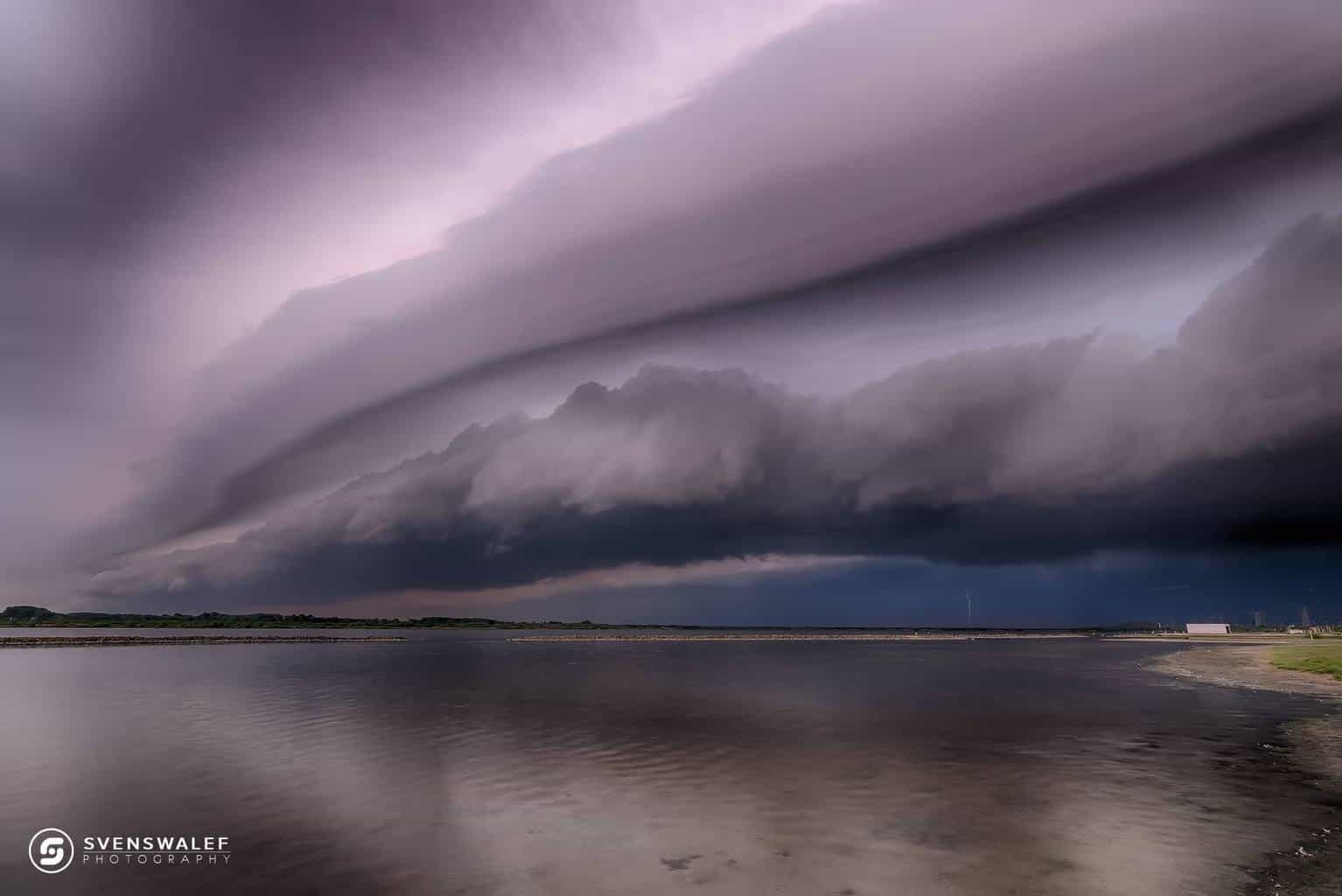Exceptional shelf cloud on a cold front boundary near Rockanje, the Netherlands. This system produced a rare meteorological phenomenon, a meteo-tsunami.
