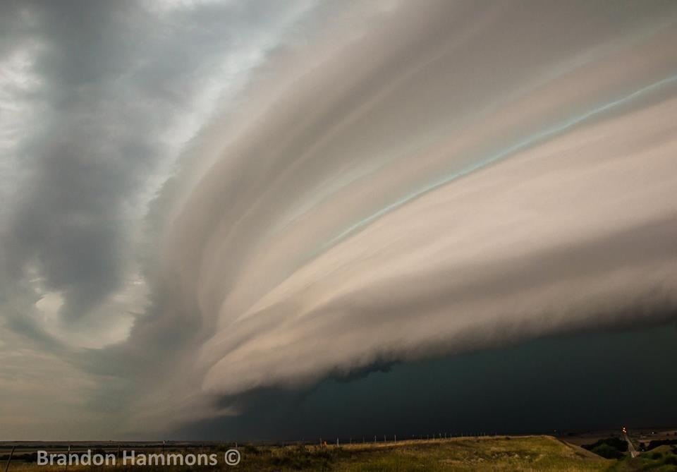 Ominous shelf cloud near Beaver City, NE (8/22/14)