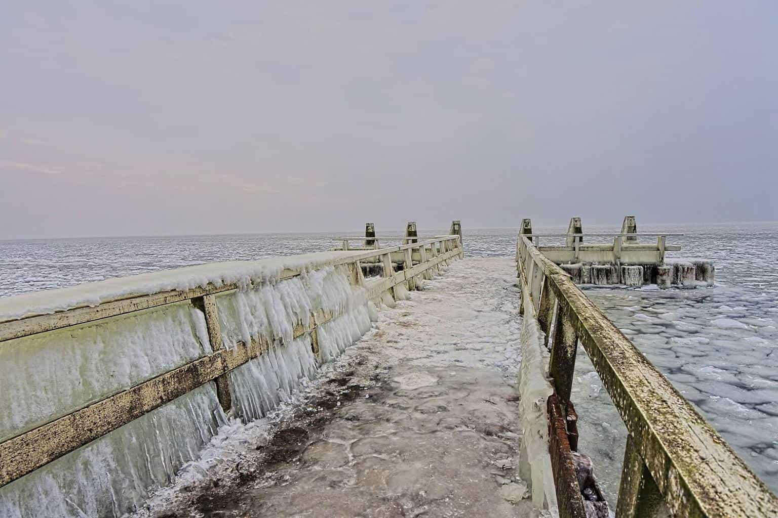Arctic condition at the IJsselmeer, the Netherlands a few days back.