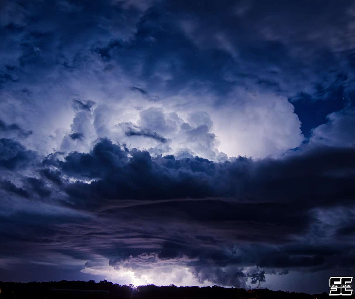 Electrifying nighttime thunderstorm south of Stover, MO back on July 16th, 2016!