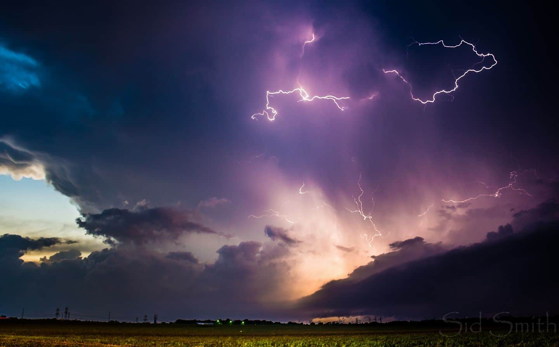 Dazzling lightning display over Trinidad Texas 4-7-18