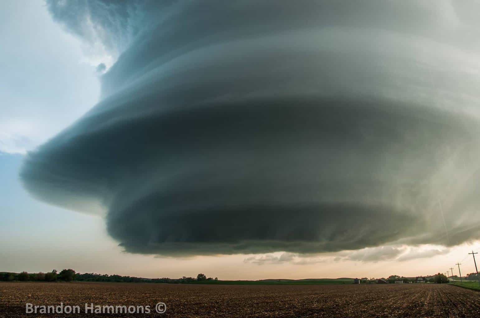 Hard to believe that nearly 5 years have passed since this otherworldly storm hovered its way over Custer County, NE. Need a close encounter like this in my life again!! (5/26/13)