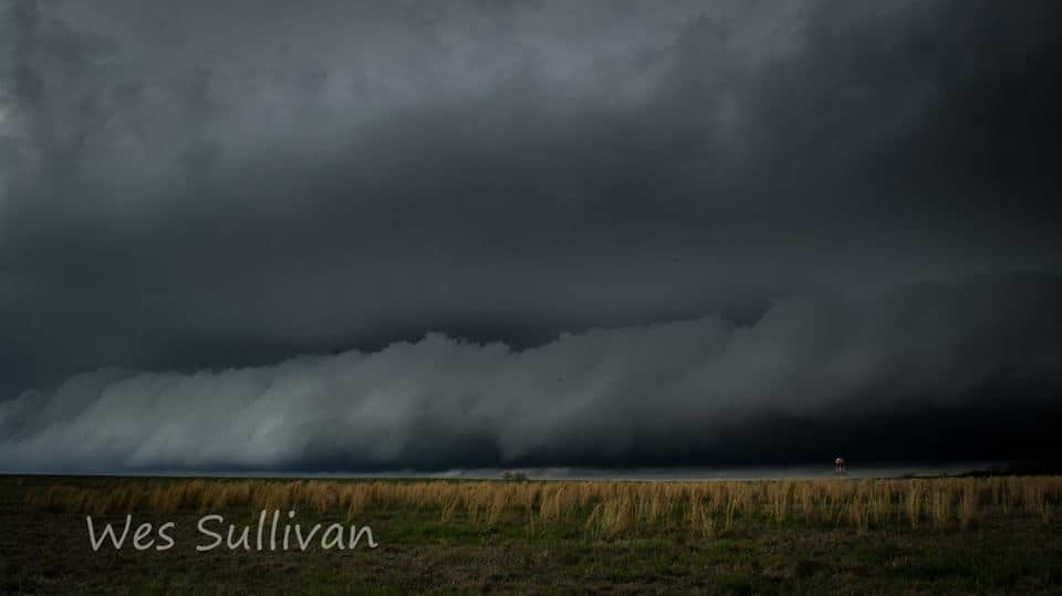 Amazing Shelf cloud on supercell in Sherman Tx April 6th 2018