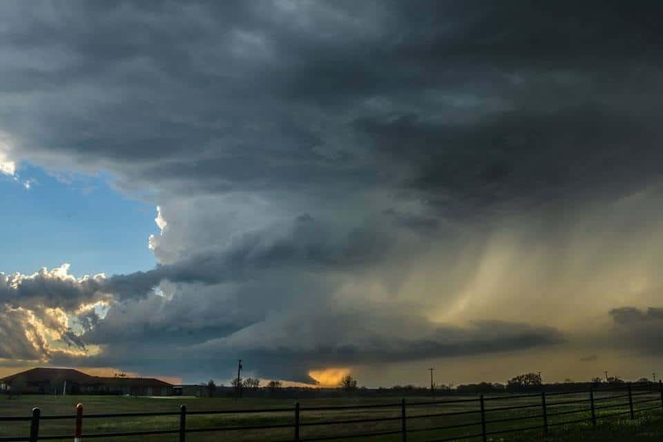 Neat structure near Hubbard, TX on 3/18/18.