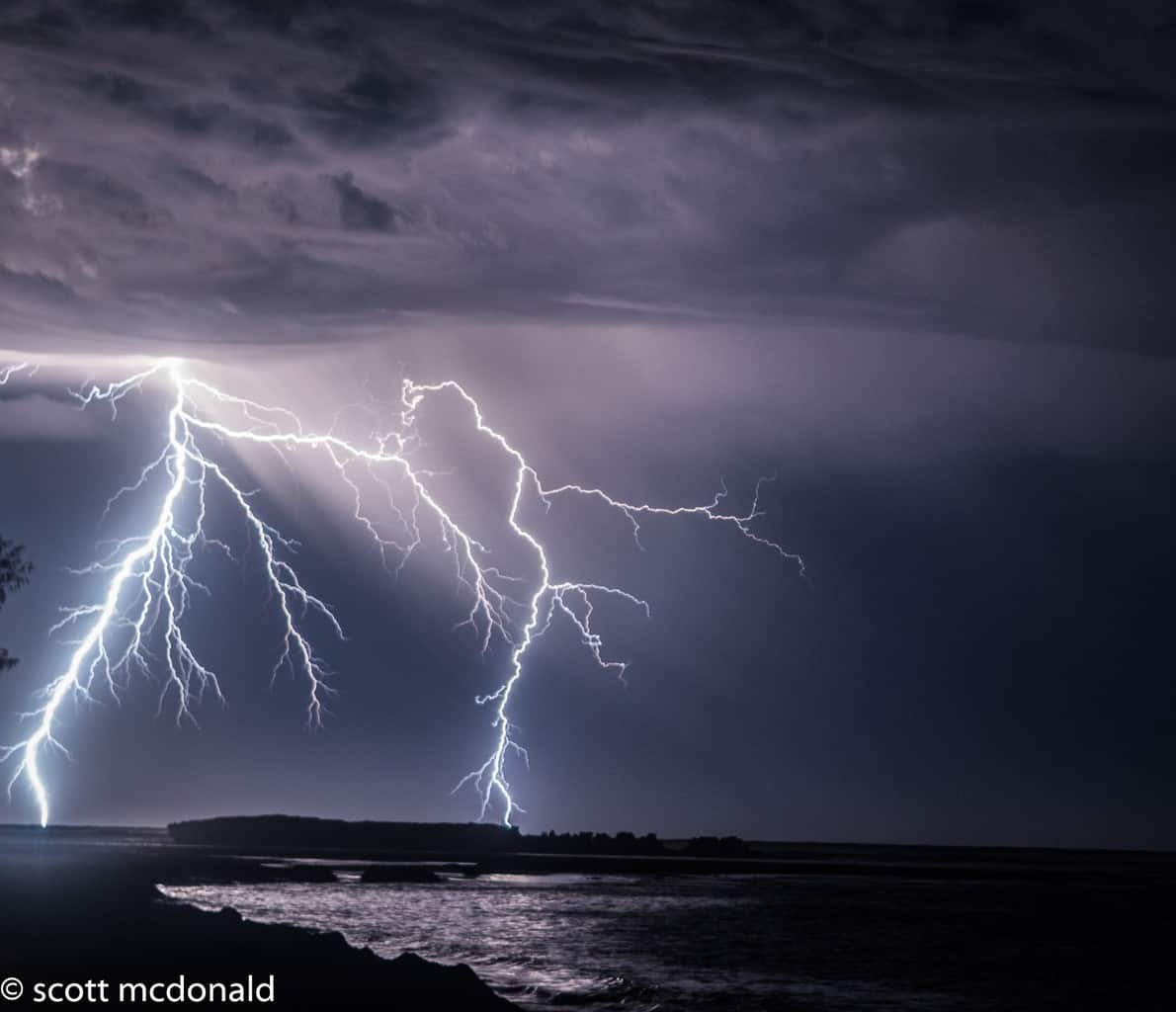 nice active storm passing my home town in western australia a few nights ago