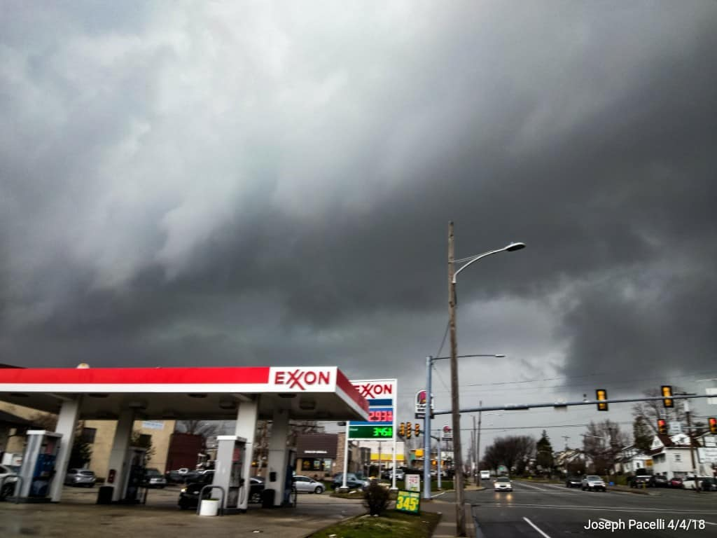 A one shot opportunity to get the leading edge of a gust front that prompted the first severe thunderstorm warning for my area of 2018 on April 4 in Upper Darby, PA