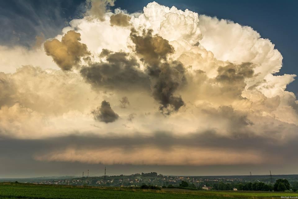 Explosion of deep moisture convection near Oświęcim 09.05.2018r.