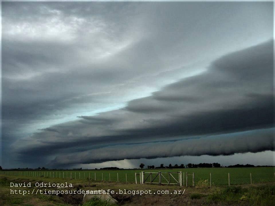 Shelf cloud over in Argentina...