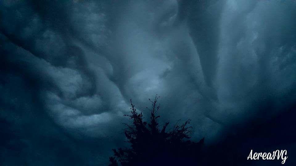 El rostro de la tormenta..... Villa gesell, Buenos Aires, Argentina. The face of the storm ..... Villa Gesell, Buenos Aires, Argentina.