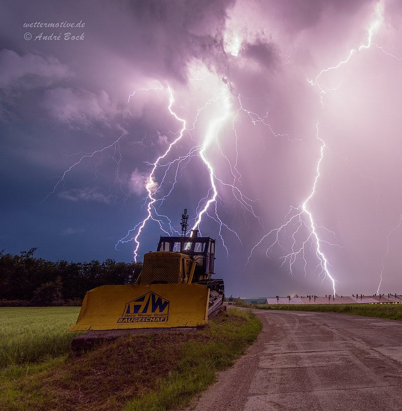 """dramatic night"" 29/05/18 Thuringia/germany my page:  Wettermotive.de"