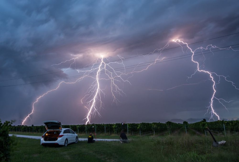 Storm chase in N Italy on July 15th, 2018. Even though things looked bleak for a while, we got a really nice lightning show for a couple of minutes. The show was over quite soon, but the strikes were really fotogenic nonetheless :)