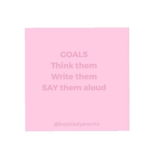If it's not written down it's not a goal, if you haven't said it aloud you haven't truely committed.  Why do we fear doing both these things?  What's worse trying and failing or not trying at all? ✨✍🏼 #goalsetting #makeaplan #tryandtryagain