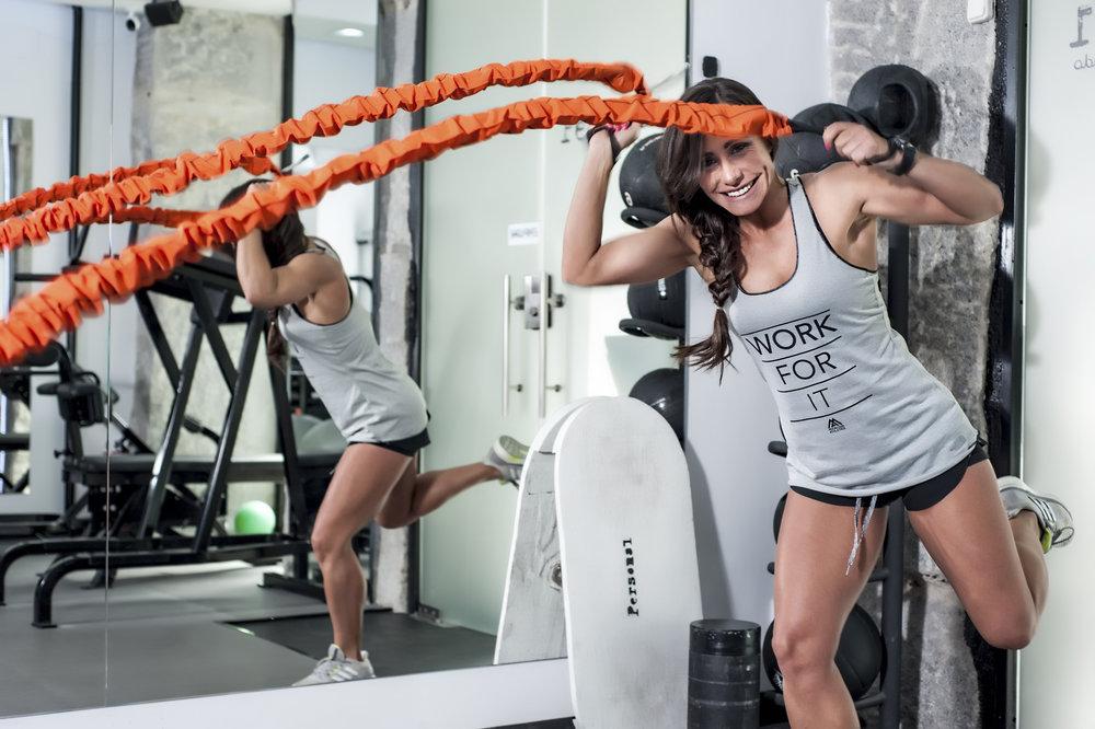 Marta Rosado indica que lo ideal para estar saludable es mantener un correcto equilibrio entre los ejercicios de resistencia, como las pesas, y los ejercicios aeróbicos. Foto:Personal By Marta Rosado.