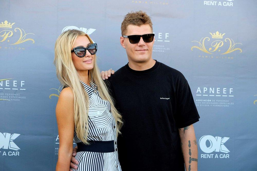 De la fracasada relación de Paris Hilton y Chris Zylka han quedado cosas pendientes. Foto: Sergio G. Canizares