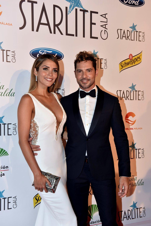 Imagen de archivo del cantante David Bisbal y su esposa, la modelo Rosanna Zanetti. EFE/ALF