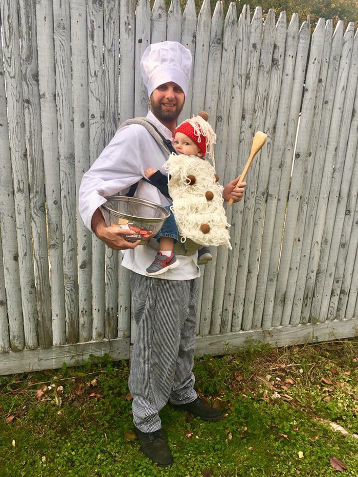 baby-carrier-halloween-costumes-125-59edd16526719__700.jpg